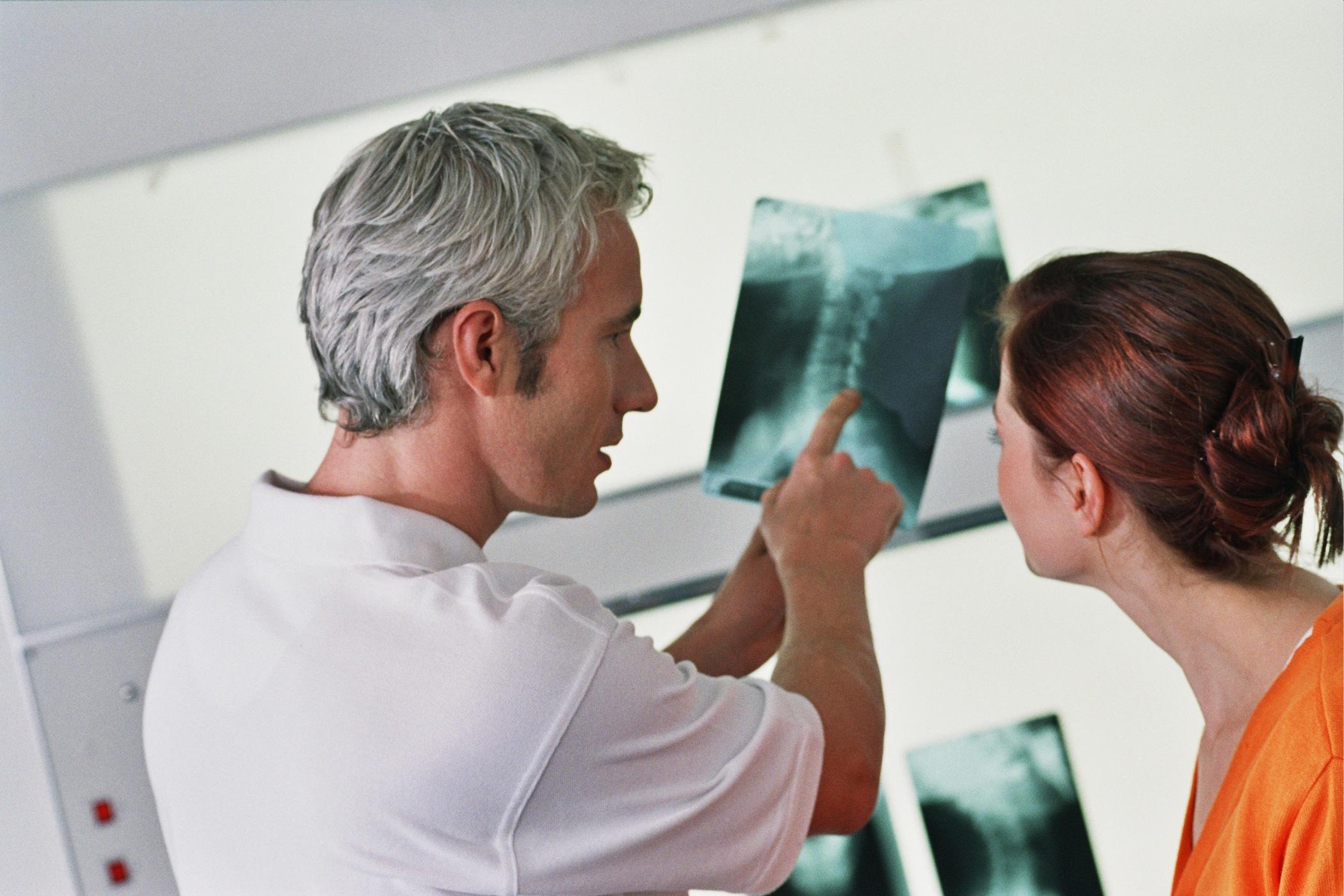 medizinische_untersuchung_roentgenaufnahme-1-1410558-2