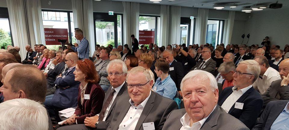 Außerordentliche Mitgliederversammlung beim GKV-SV